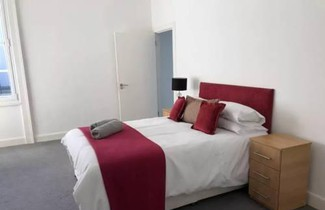 Photo 1 - Central 3 Bedroom Flat Accommodates 6