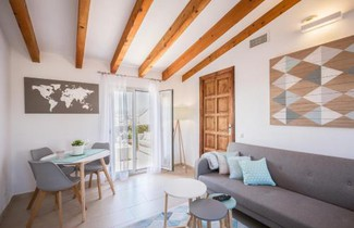 Residence by G Confraria de Sant Miquel 1