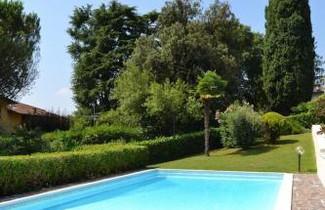 Photo 1 - Apartment in Gardone Riviera with swimming pool