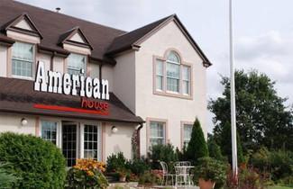 Photo 1 - American House Pu?awska