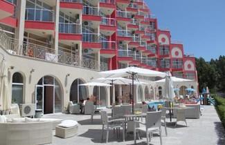 Foto 1 - Rose Garden Omax Hotel Apartments