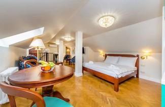 Manesova No.5 Apartments 1