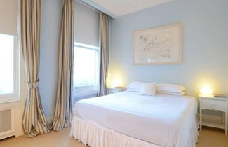 Photo 1 - Veeve - Redcliffe Square Apartment