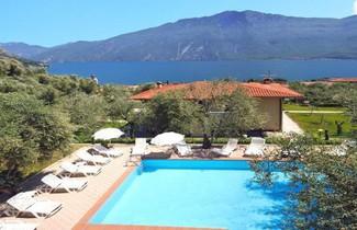 Photo 1 - Aparthotel in Limone sul Garda with swimming pool