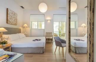 Photo 1 - Suites Sevilla Plaza