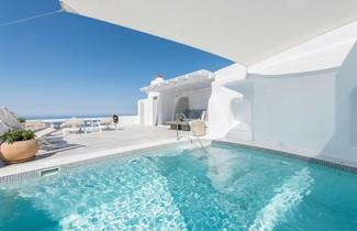 Aqua Mare Luxury Suites 1