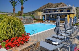 Photo 1 - Emporios Bay Hotel