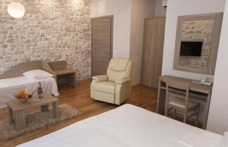 Tifani Luxury Rooms 2 1