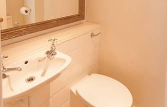 Photo 1 - Veeve - Charming 1 bed just off Kings Road Chelsea