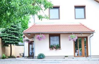 Photo 1 - Páva Apartmanház