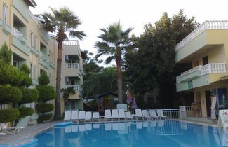 Photo 1 - Club Sunset Apartments