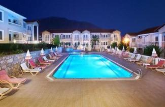 Foto 1 - Moneba Suite Hotel
