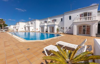 Photo 1 - Apartamentos Corona Mar