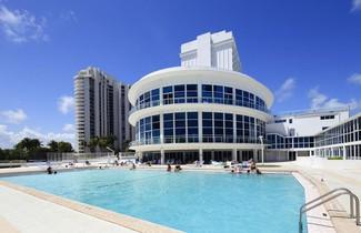 Foto 1 - New Point Miami Beach Apartments
