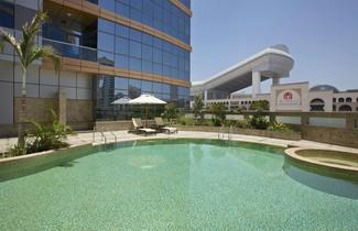 Photo 1 - DoubleTree by Hilton Hotel and Residences Dubai Al Barsha