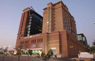 Photo 1 - L'Arabia Hotel Apartments
