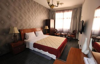 Photo 1 - Horizon Hotel Apartments