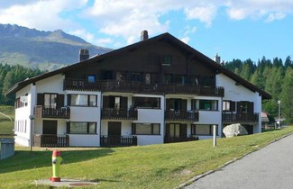 Photo 1 - Apartment Chesa Linaria