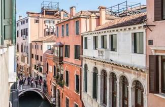 Rialto Bridge Large Venetian Style With Lift 1