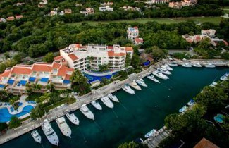 Photo 1 - Aventuras Club Marina