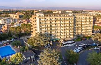 Photo 1 - Quality Hotel Rouge et Noir