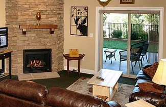 Photo 1 - Summit Manor Condominiums