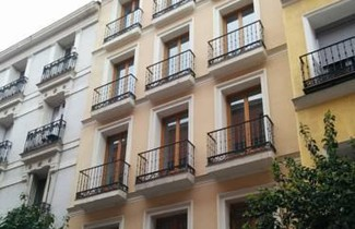 Home Art Apartments 1