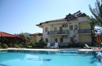 Photo 1 - Aisha Apart Hotel