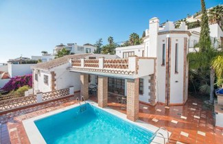 Photo 1 - House in Nerja with private pool