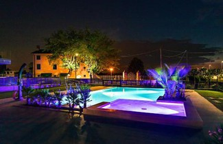 Photo 1 - Apartment with swimming pool