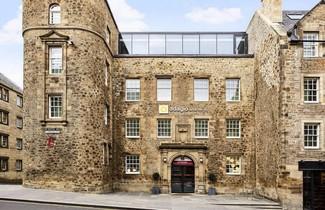 Photo 1 - Aparthotel Adagio Edinburgh Royal Mile