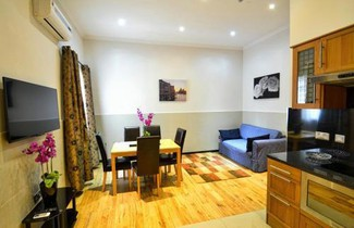 Hyde Park Apartments 1