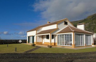 Photo 1 - House in Lajes das Flores with terrace