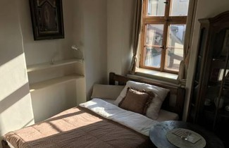 Queen Bee Apartments 1