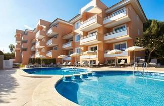 Photo 1 - Universal Apartments Laguna Garden