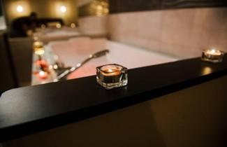 Photo 1 - La Suite Romantique avec Jacuzzi au Cur de Perpignan