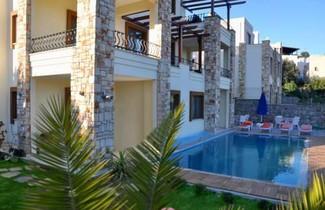 Liona Residence 1
