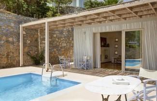 Pleiades Luxurious Villas 1