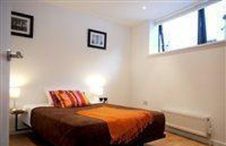 Caledonian Road Apartments 1
