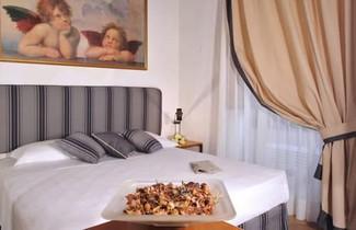 Savonarola Halldis Apartments 1