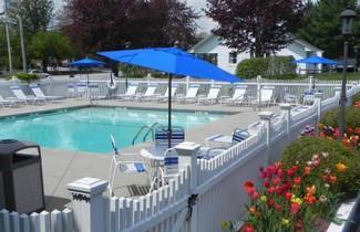 Photo 1 - Elmwood Resort Hotel