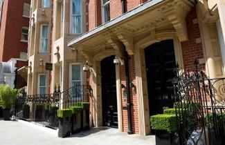 Photo 1 - Cheval Phoenix House at Sloane Square