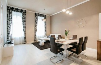 Parliment Luxury Apartment 1