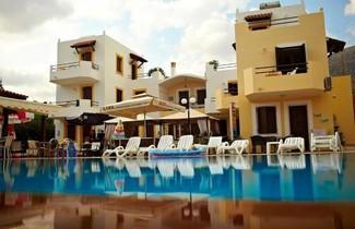 Foto 1 - Sun And Sea Apartments