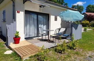 Photo 1 - Apartment in Saint-Pierre-le-Chastel mit terrasse