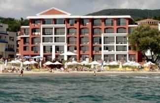 Photo 1 - Carina Beach Aparthotel - Free Private Beach
