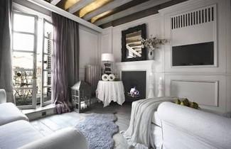 White Home Halldis Apartment 1
