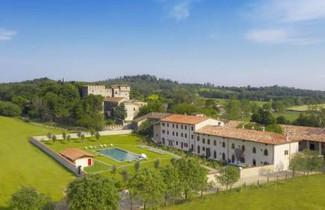 Photo 1 - Apartment in Lonato del Garda with swimming pool