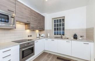 Club Living - Liverpool Street Apartments 1