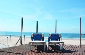 The Refreshing Seaside Home 1